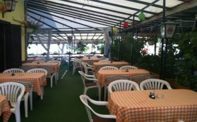 Barátkozó Étterem – Tiszafüred, szabadstrand