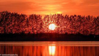 Tisza-tavi naplemente -reméljük sütni fog a hétvégén :)