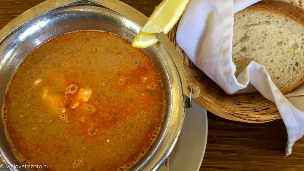 Kormorán Étterem és Panzió étterem szállás Poroszló halételek