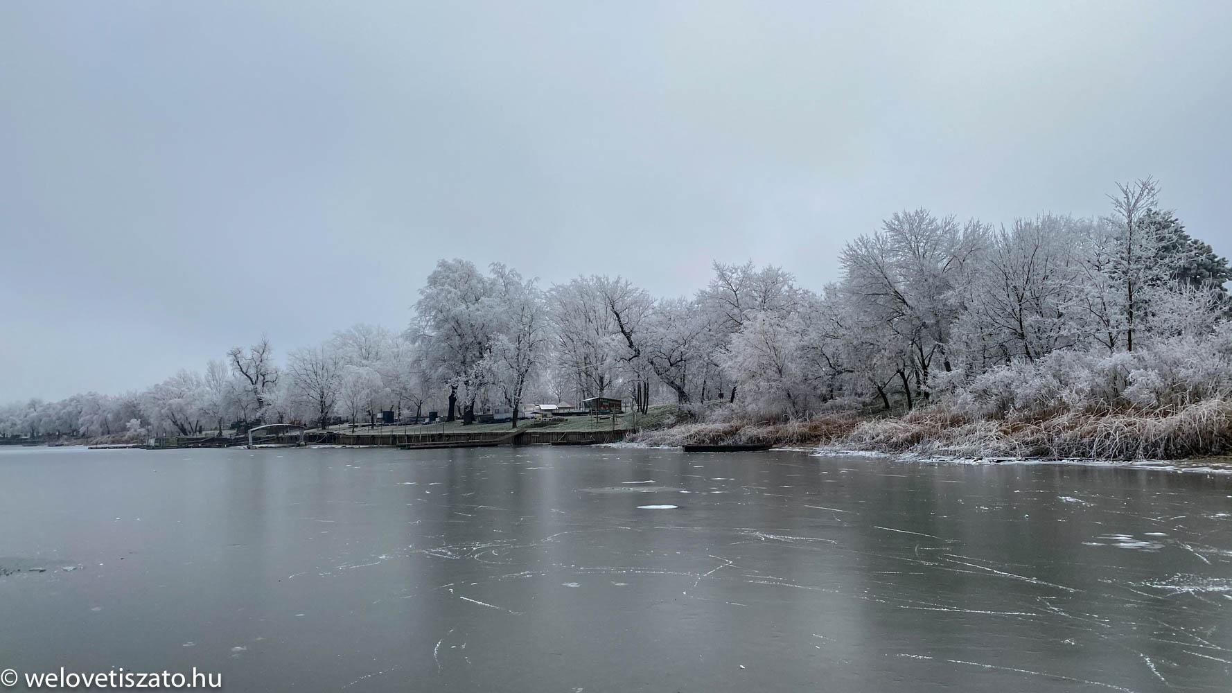 jégtúra a Tisza-tavon