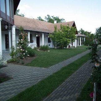 Kék Sziget Pihenőház – Abádszalók