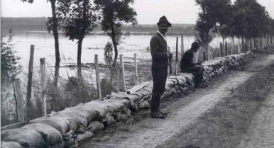 Árvízvédelmi homokzsák? KÖTIVIZIG szótár a Tisza-tóhoz