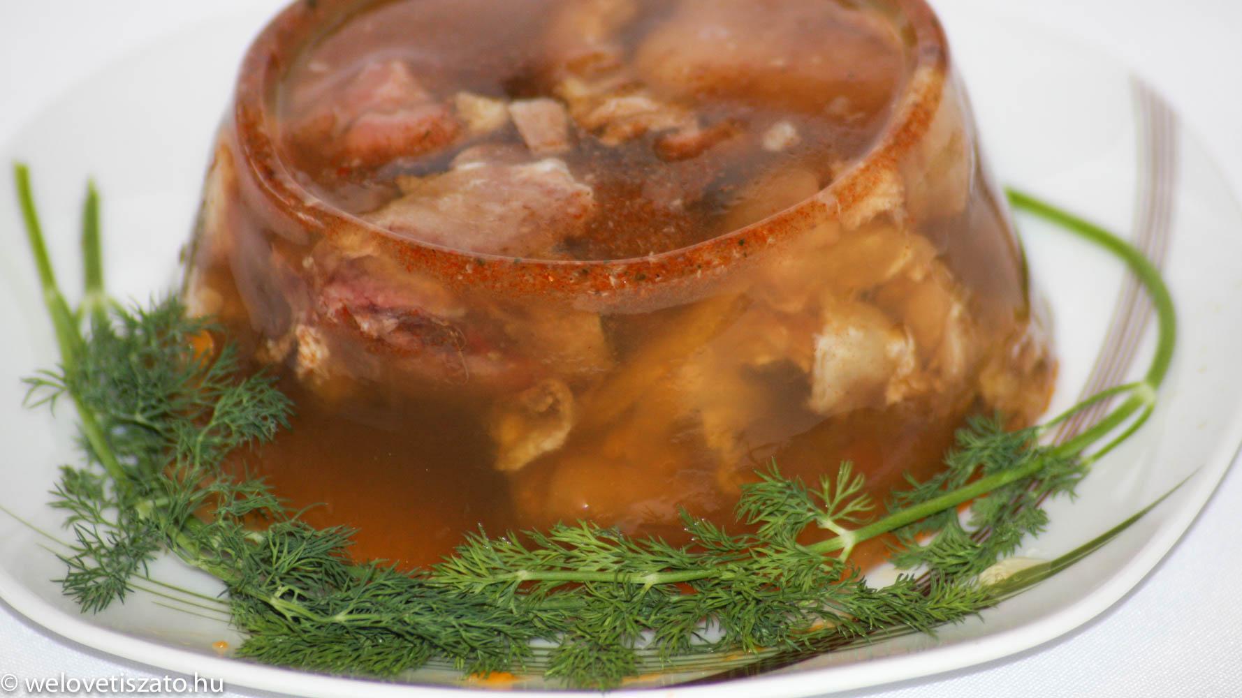 kocsonyateszt - sertés kocsonya Kormorán étterem