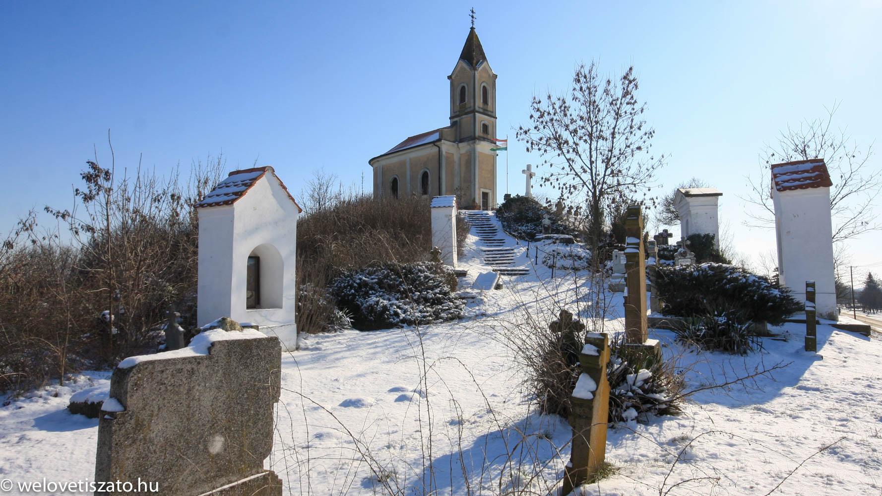 Tiszaörsi kápolna domb